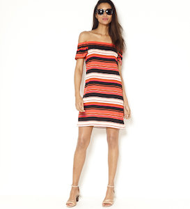 Robe shoulderless à rayures multicolores
