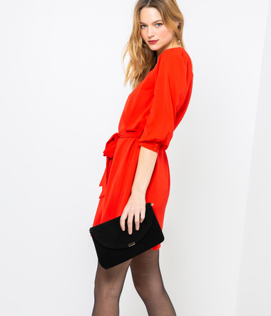 Robe rouge courte